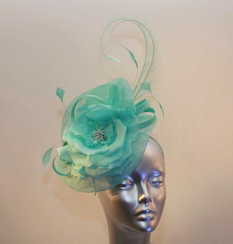 Peppermint green Ladies fascinator
