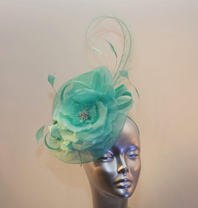 Peppermint green Ladies fascinator