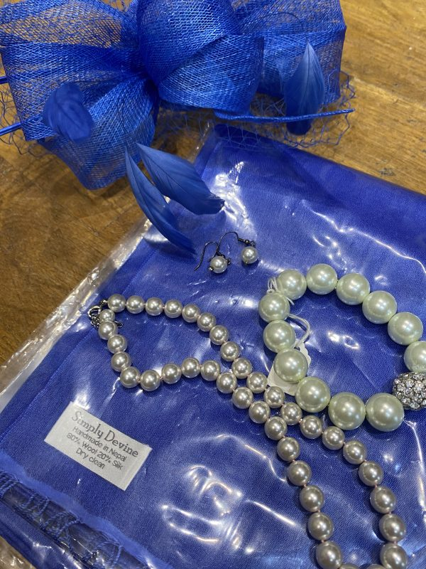 Pearls and Pashminas for mother of the bride